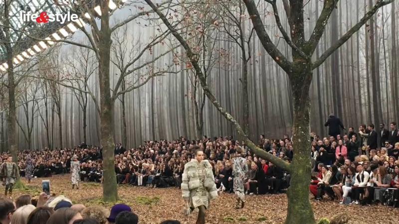 【有片:巴黎直擊】2018秋冬時裝周:Chanel巴黎的森林
