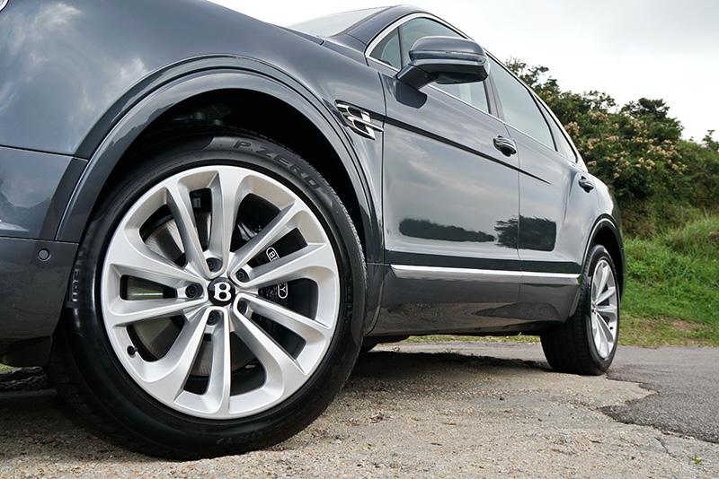 Bentley, Bentayga V8,